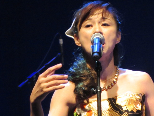 Photo de Iwao Junko lors du showcase de Japan Expo 2012